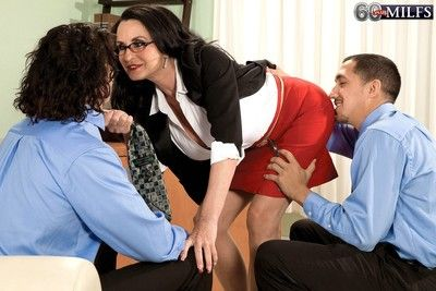 Mature anal sex threesome fucking with glassed boss rita daniels