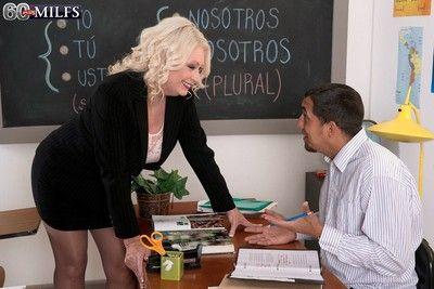 Oma Lehrer Mit Big oierced Titten Ficken
