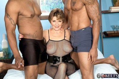 Mature woman fucked by two black cocks in interracia sex threeso