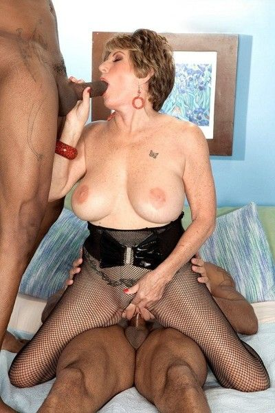 Mature woman fucked by two black cocks in interracia sex threeso
