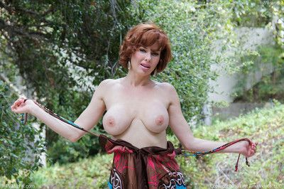 Sexy mature with big natural tits reveal her cunt