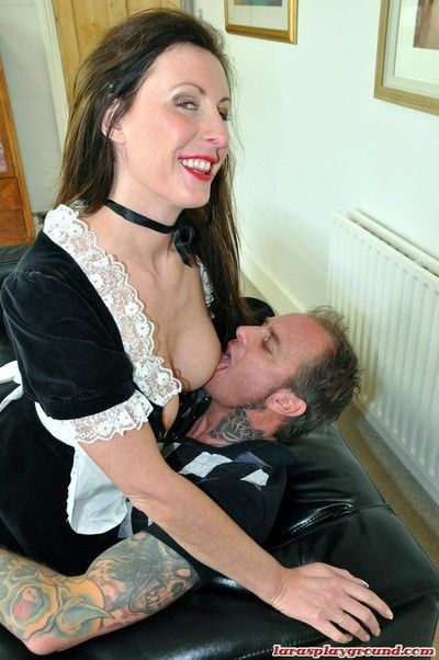 A french maid in holland