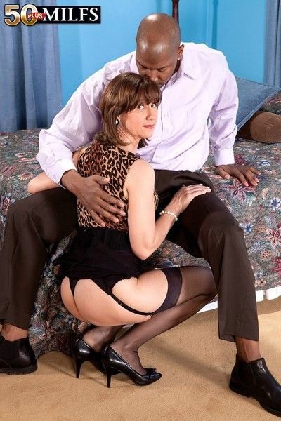 Mature elle denay gets black creampie in doggy style