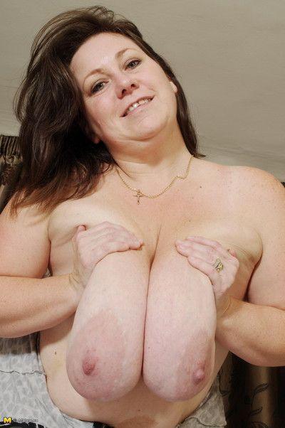 Của tôi Chúa Cô ấy đã khổng lồ bộ ngực