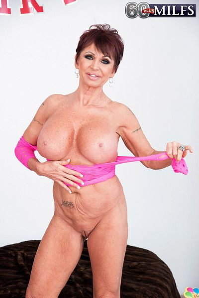 Big tits grannt and huge dildo