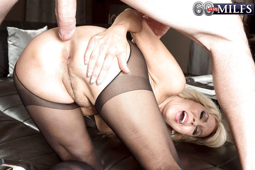 scarlett johansson orgasm pics