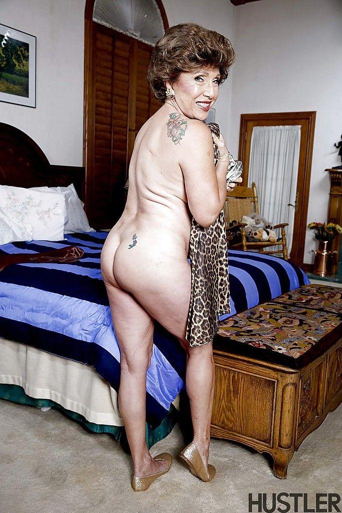 Hot granny no nude pic