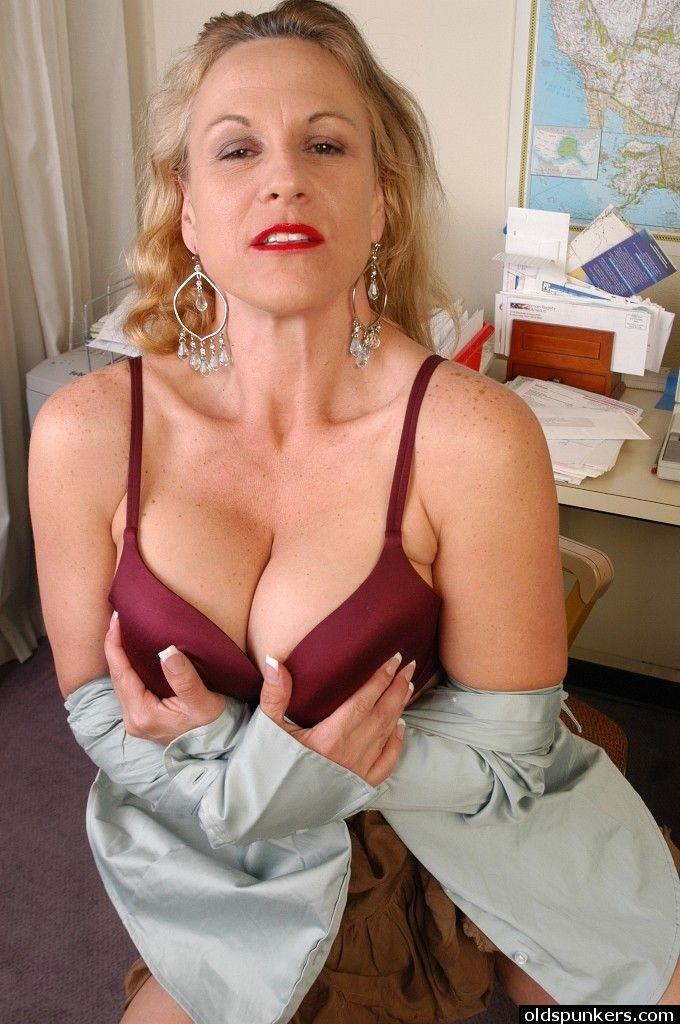 AMATEUR EURO - Cheating European Wife Jessy W&period