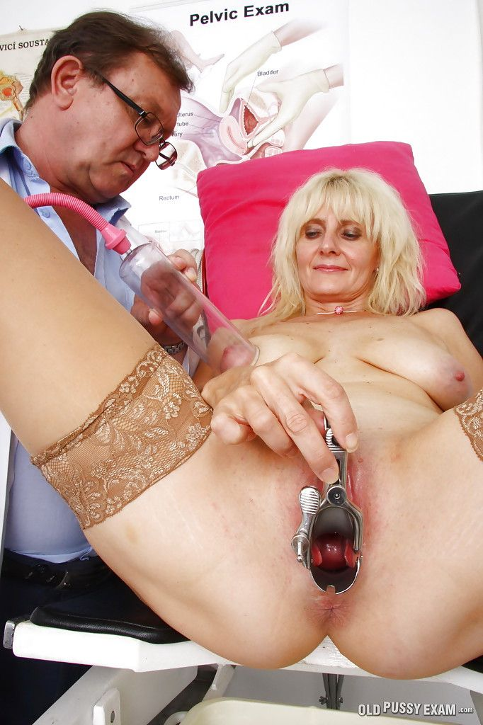 discussion tranny masturbates with both hands shemale adult video sorry, that has