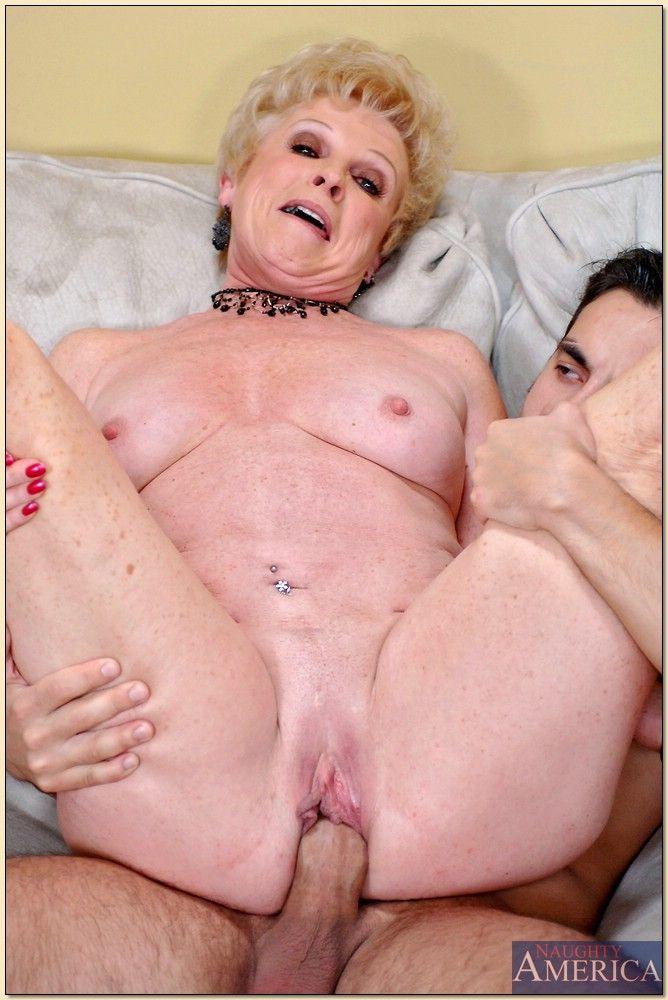 mrs-jewell-mature-sex-brilizian-hottest-nude