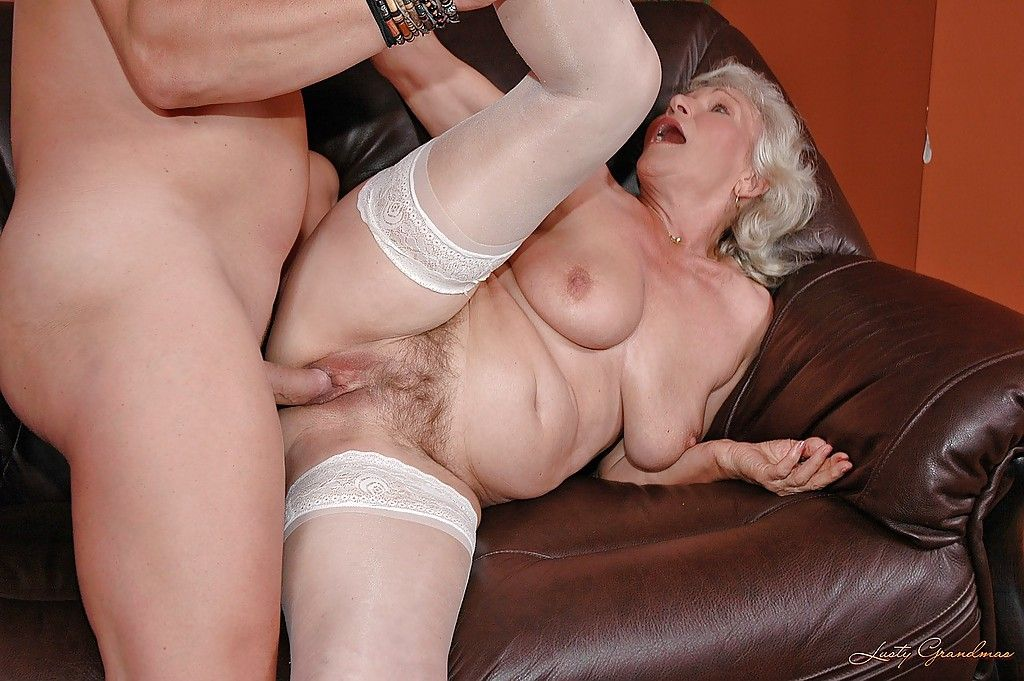 Blonde old bag gives head and gets pussy fucked 6