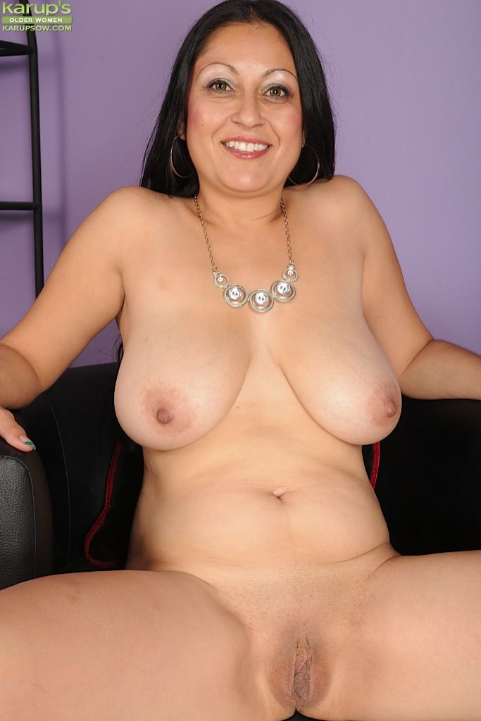 big tits latina babe valerie worthington teases her mature