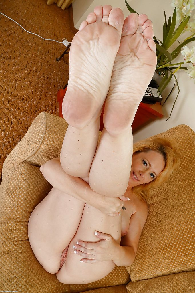 Hot shaved puss