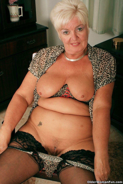 Highly sexed grandma sandie rubs her pierced clit 6