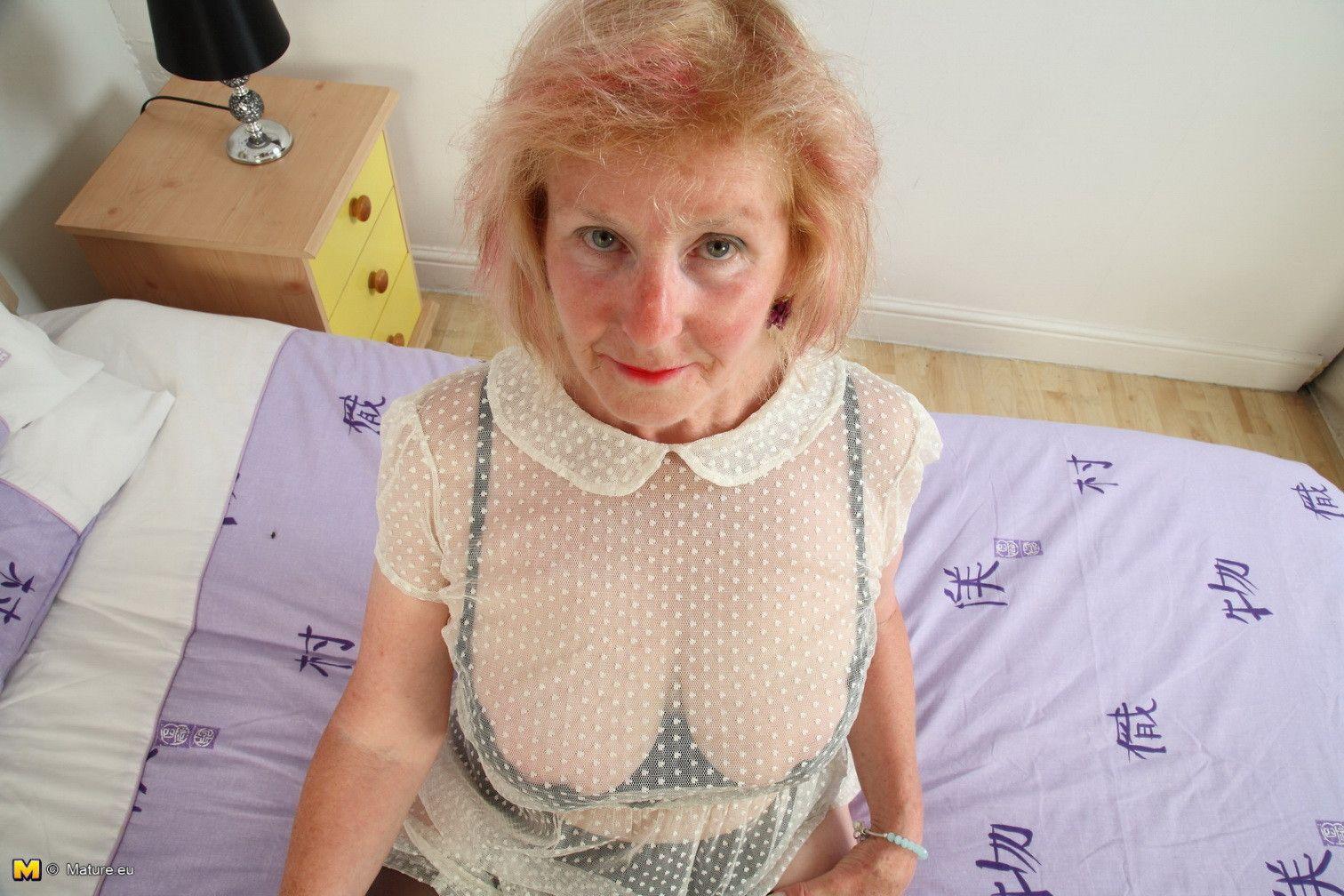 сперма бабушка фото