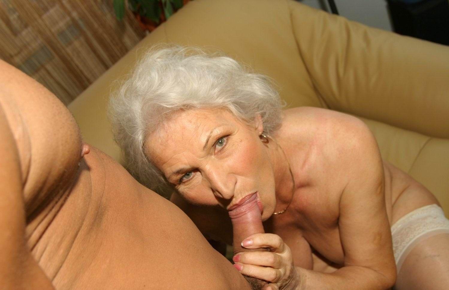 claudia nude schiffer blow job