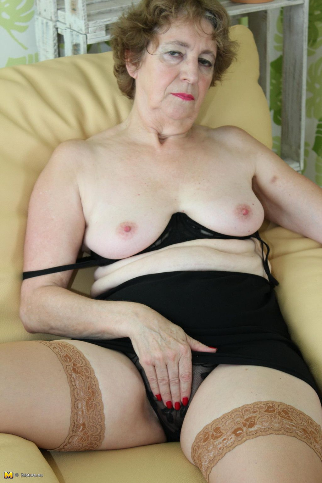 German Granny with chocolate pussy