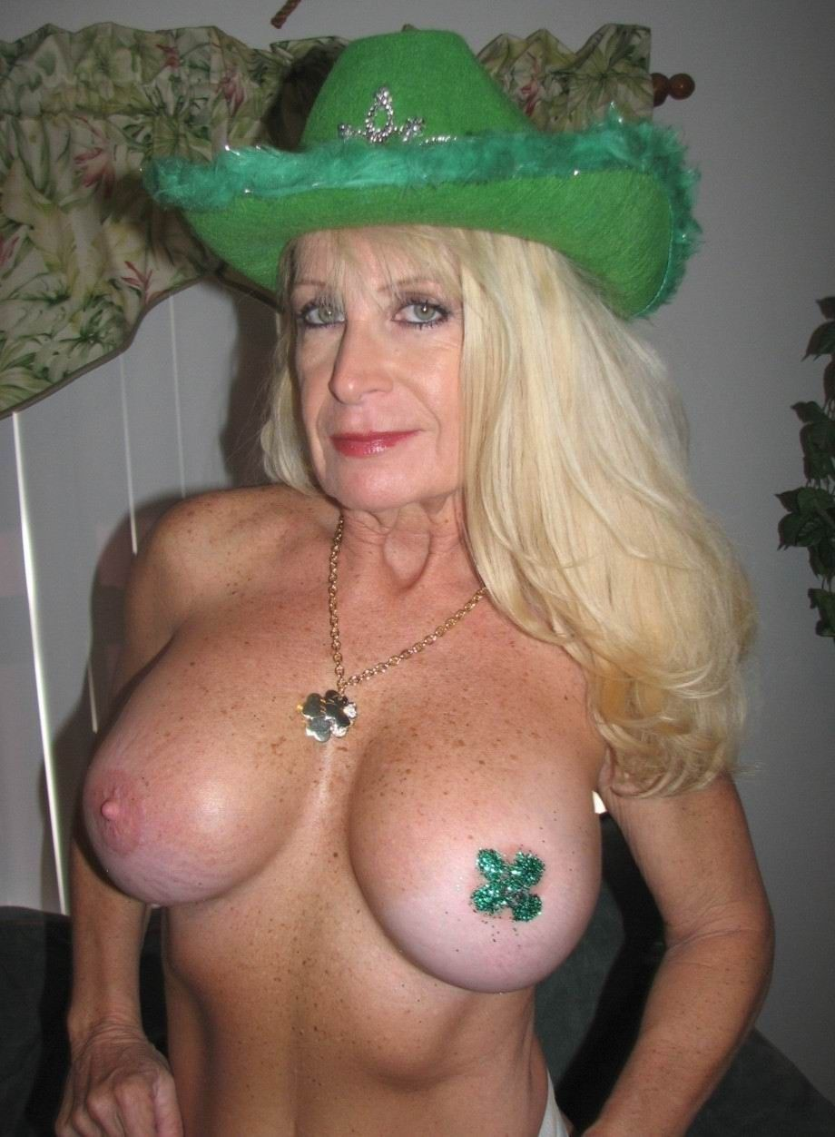 amateur grannies large boobs pics