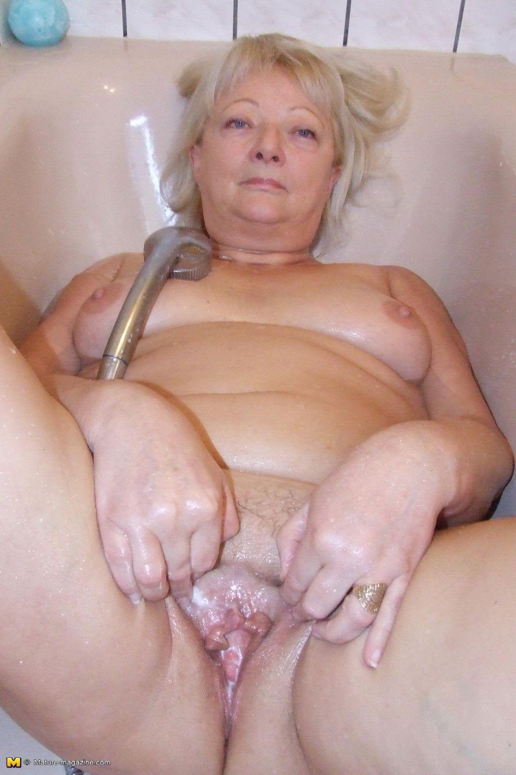 Cum on black tits