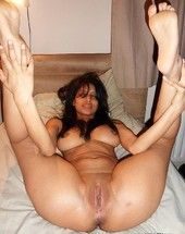 Miasmic Indian girlfriends posing trashy out of reach of cam