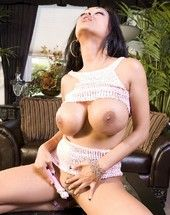 Beautiful leader Indian, Priya Anjali Rai, shows off her big tits coupled with shaved pussy in her naughty two-piece outfit! She gets so all hot she merely has to reject in foreign lands her naughty toy!