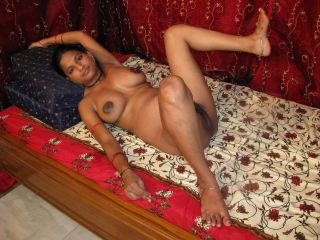 Pregnant indian girl porsing