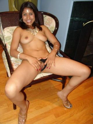 Pretty indian mehla spreads her pussy lips wide to have her pussy fucked indestructible