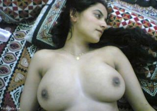 Real indian gfs are posing and naked verandah 44