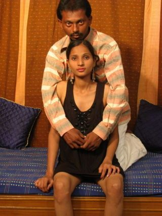Indian amateur going to bed pics