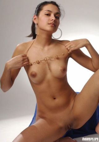 Indian gfs succeed in naked and have a passion