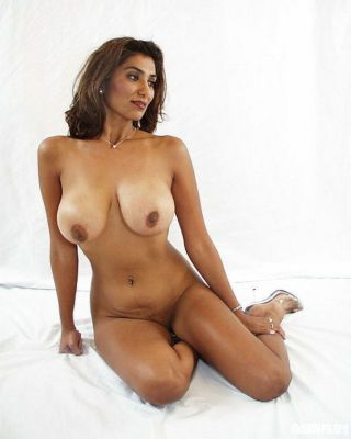 Indian gfs pose for burnish apply camera coupled with fuck gallery 21