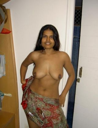 Indian gfs posing and fucking for the camera