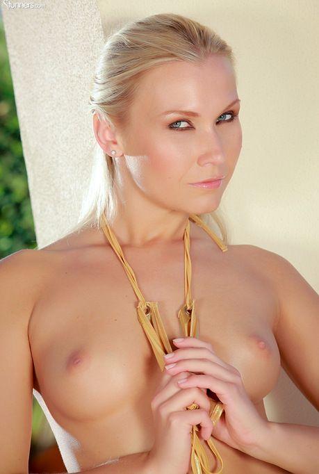 blonde arsch nackt